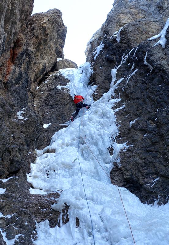 Steile Cruxpassage WI5